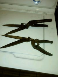 2 Antique Looking Prunning Shears Tavares, 32778