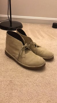 Clarks desert boots size  7  however they run big. comparable to a size  9.0  nike shoe Rockville, 20853