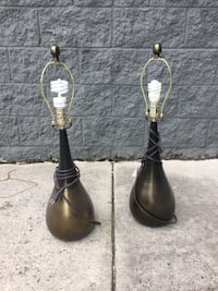 2 Lamps without shades