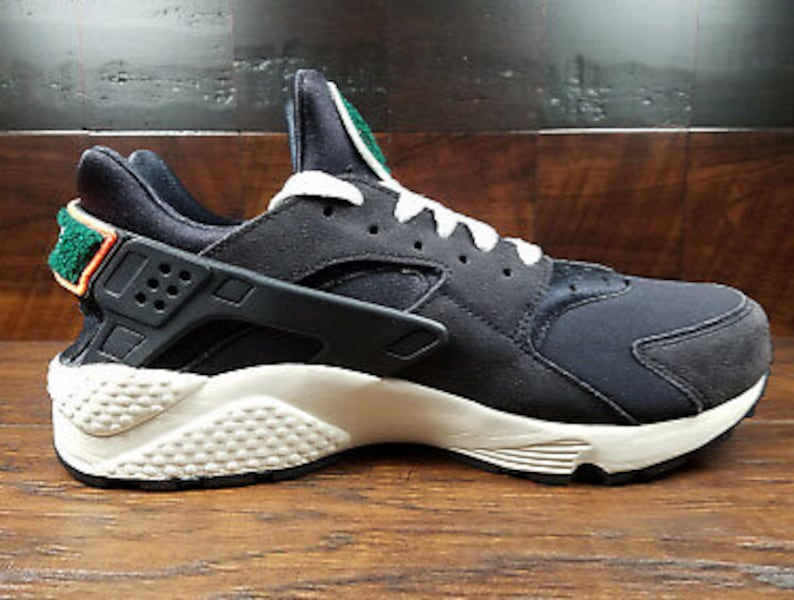 Nike Air Huarache Run Oil Grey Rainforest dcf6a122-ba76-4db9-b622-460a897c8c29