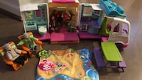 Fisher Price RV with Hape family dolls to go with it   Bothell, 98012