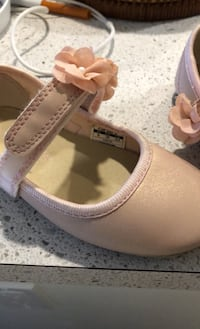 Pink shoes size 9 us