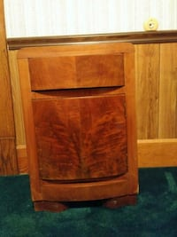 Antique solid wood night stand.  Youngstown, 44515