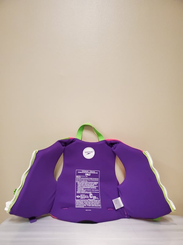 CHILD FLOTATION JACKETS - buy individually as priced or both as bundle 7e122d2d-bf74-431e-8d7a-55141ce1f34c