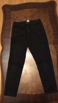Black Skinny Jeans From Forever 21 In Size 30 Toronto, M1B