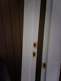 Door jamb in good condition only 5$ a piece