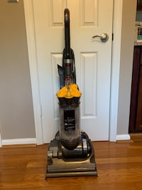 Dyson DC33 multi-floor upright bagless vacuum cleaner Fairfax