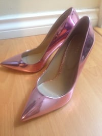 Aldo metallic pink heels size8.5 NEW Richmond, V6Y