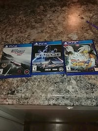 two Sony PS4 game cases Gatineau, J9A 2J6