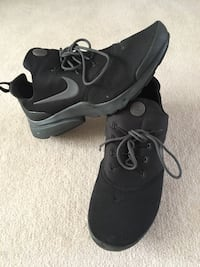 Nike Air fly Presto Size 10 Leicester, LE19