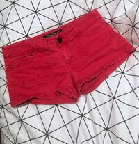 Red Streetwear Society Shorts Size 3 Medicine Hat, T1C 1Y9