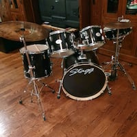 Stagg full 7 piece drum set for age8-15. Originally 600 from Cosmos Markham, L3P 7P2