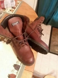 pair of brown leather work boots Hagerstown, 21740