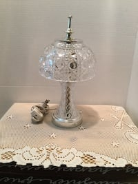 Beautiful Crystal Dresser Lamp  Excellent condition   Riverside, 92506