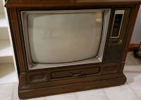 **NEGOTIABLE**Vintage Old Television Vaughan