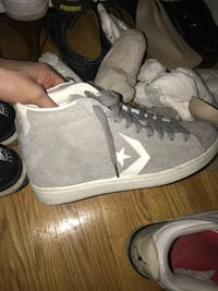 Suede grey converse worn twice