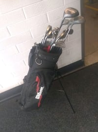 Set of left golf clubs and bag