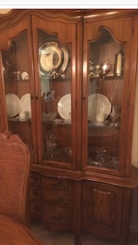 Dining room set. Hutch, table, 4 chairs, additional table Media, 19063