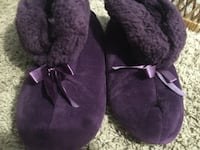 Women's 7-8 memory foam slippers  Plattsmouth, 68048