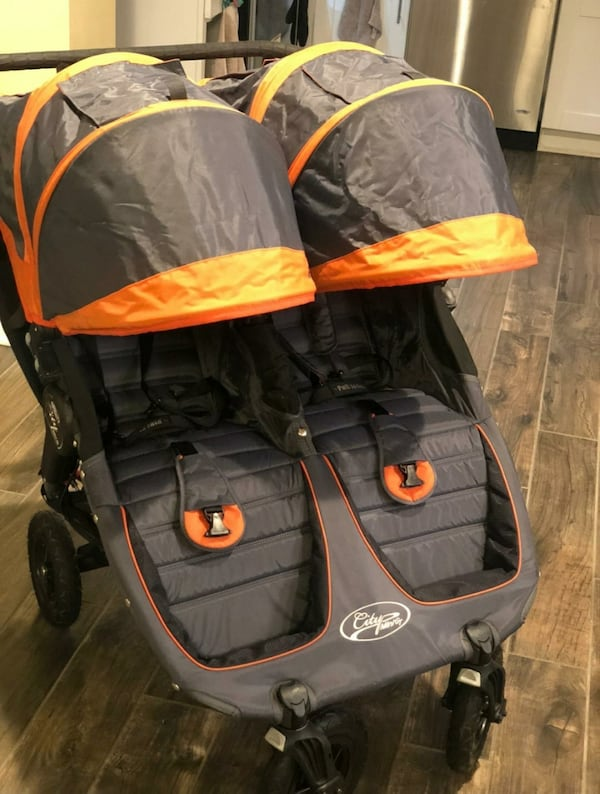 Double stroller in excellent condition (City Mini GT) dddd6f1b-8144-459d-832c-53c3077ca279