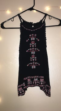 black and pink floral tank top Lakeside Marblehead, 43440