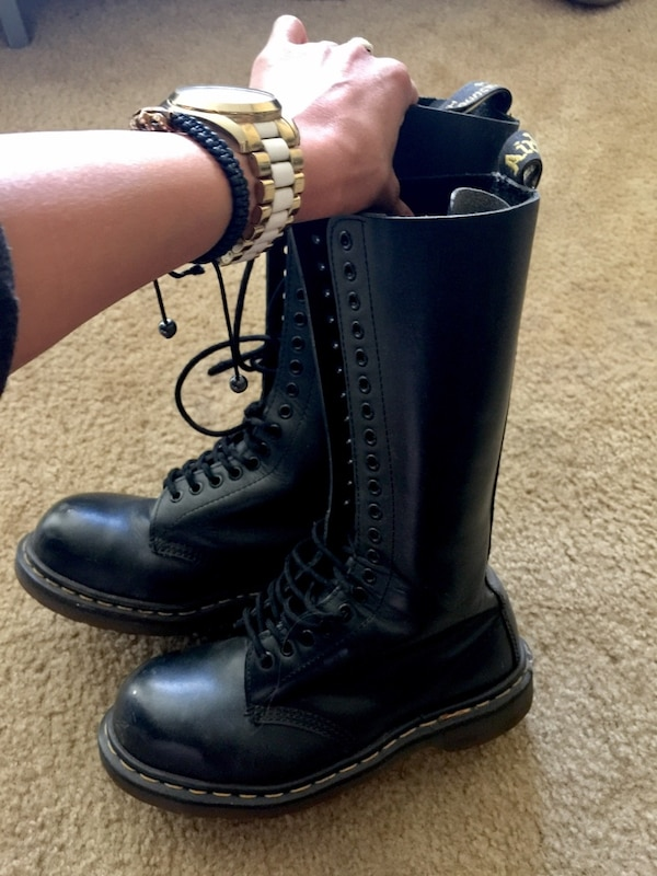 a5f752758 Used AUTH Dr Martens 20 hole steel toe boots BRAND NEW Sz: 5 Women's ...