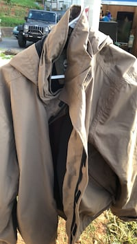 gray zip-up jacket Leicester, 28748