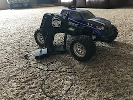 RC truck 1/16 scale