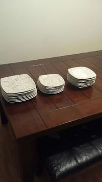 8 piece plates and bowls
