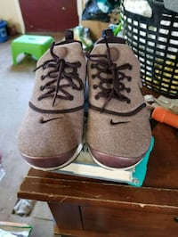 pair of gray-and-brown leather boots Von Ormy, 78073