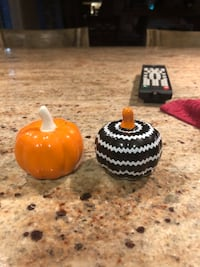 Halloween/Fall pumpkin salt & pepper shakers Chantilly, 20151