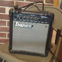Black and gray fender guitar amplifier 338 km