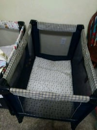baby's black and gray pack n play Nashville, 37013