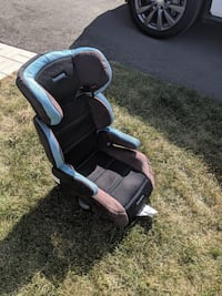 Booster seat East Gwillimbury, L0G