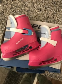 Girls Bauer skates BNIB without tags size 8 junior