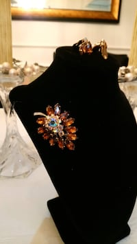Brooch and clip on earrings Ottawa