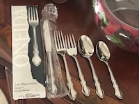 Never used ONEIDA DOVER 5 pcs place setting (retails $50)
