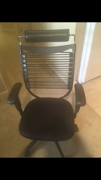 Black and gray rolling armchair Arlington, 22203