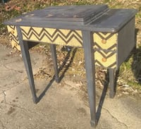 Cute Sewing Table / Desk with Custom Accents 463 mi