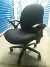 black leather office rolling armchair Woodbridge, 22191