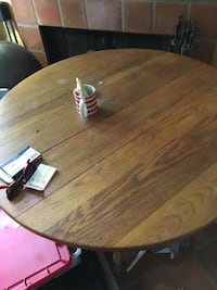 Oval brown wooden dining table San Antonio, 78209