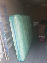 Queen mattress & boxspring Warrenton, 20187