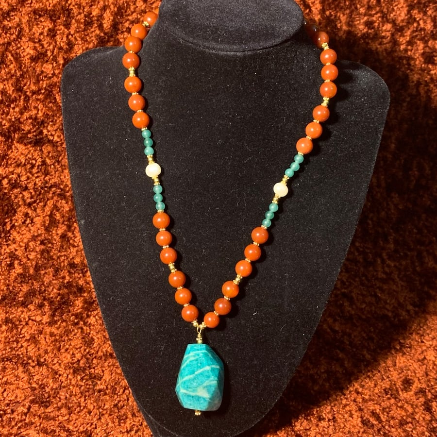 Genuine 14k Gold Jade Coral Beaded Necklace 55281480-7617-403a-8ea6-fed364e0c645