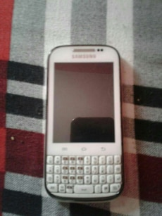 white Samsung qwerty phone