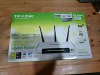 TP-Link wireless N router box Surrey, V3R 3N9