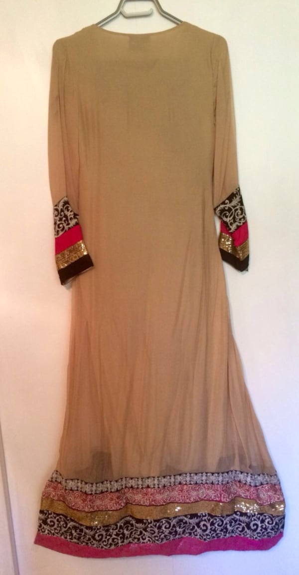 Indian party dress - very good condition 9728cbf1-4b48-40be-abdd-33624a703eee
