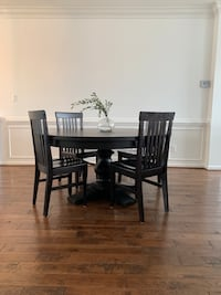 4 Windsor dining room chairs Ashburn, 20147