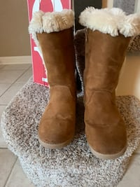 Girls sz 1 Cat and Jack cozy boots