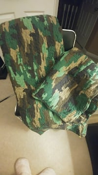 New Queen sz camouflage comforter with 2 shams $45