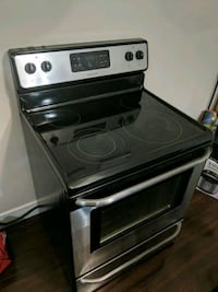 Frigidaire stainless steel stove Surrey, V3R 0H9
